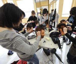 Après un CAP coiffure, vous pouvez entrer sur le marché du travail ou poursuivre en bac pro.