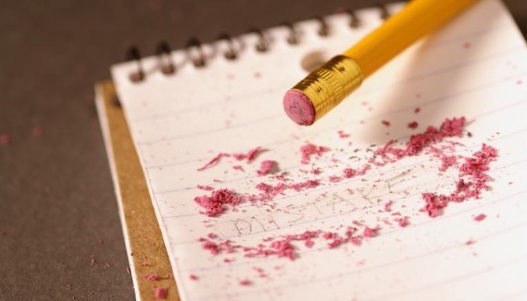 Mieux vaut assurer côté orthographe : les copies pleines de fautes sont pénalisées aux examens !