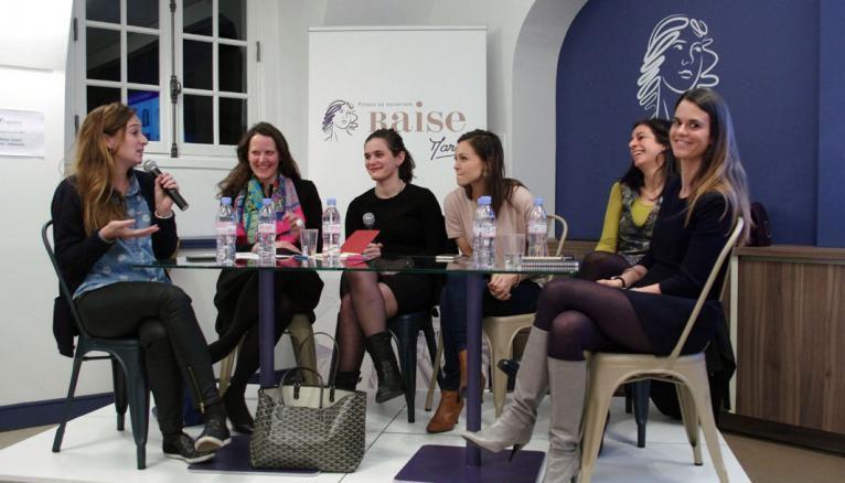 """Ici, dans le cadre du Girl in Tech, réseau international qui donne la parole aux femmes dirigeantes, Céline Lazorthes (à gauche), fondatrice du groupe Leetchi, se trouve aux côtés de directrices d'entreprise réunies pour évoquer le thème : """"Quel futur pour les moyens de paiement ?"""""""
