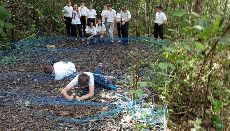 Les activités sportives dans la forêt pour les volontaires en Guyane.