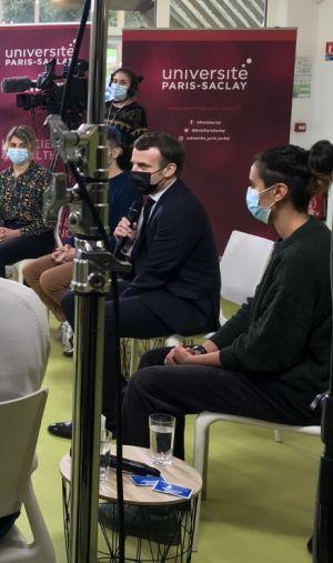 Emmanuel Macron a échangé avec des étudiants à l'Université Paris-Saclay, le 21 janvier 2020.