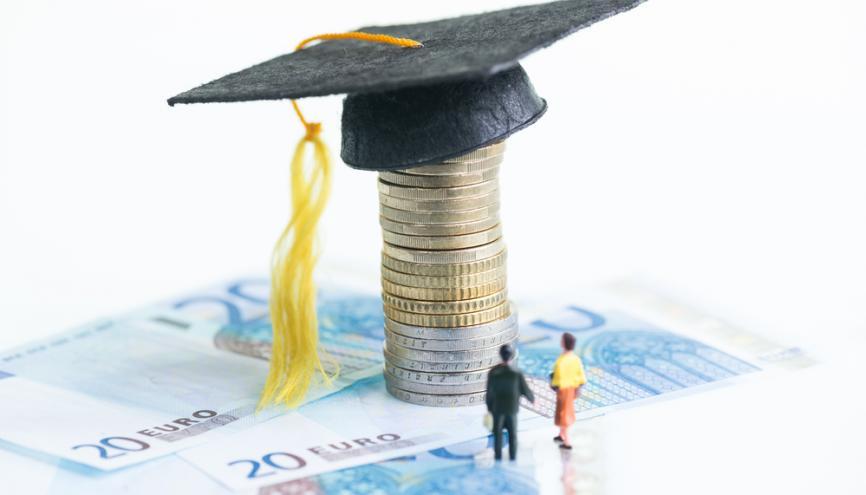 Les attentes salariales des étudiants en école de commerce et d'ingénieur ont légèrement baissé depuis 2008. //©Shutterstock