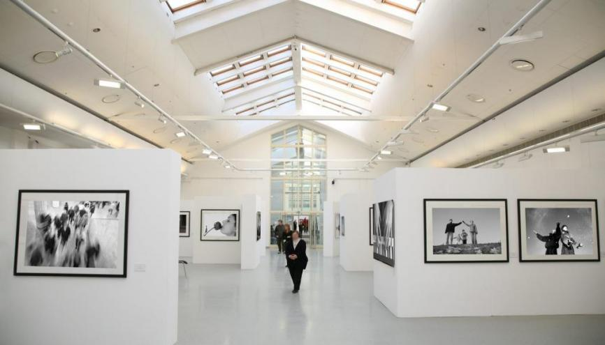 Une fréquentation assidue des musées permet aux collégiens de se familiariser avec l'art. //©Fotolia