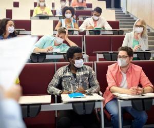 L'obligation de porter un masque sera aussi appliquée dans tous les établissements du supérieur.