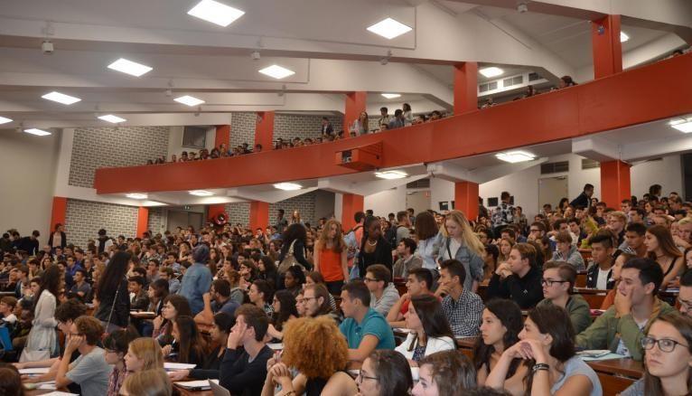 L'IAE de Paris 1 - Panthéon-Sorbonne donne la possibilité aux étudiants de suivre leur formation en alternance.