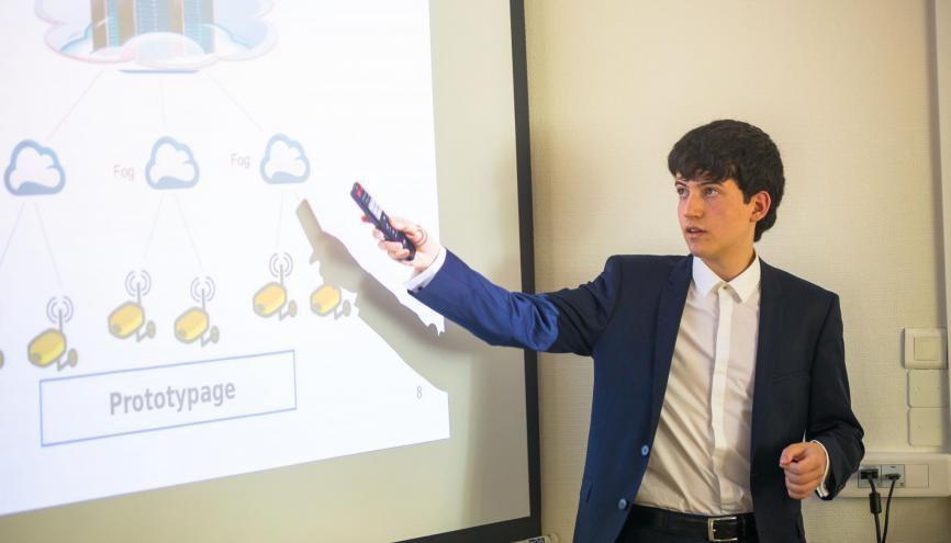 Hugo Sbai, soutient sa première thèse à 17 ans, à l'Université de Lille. //©Samuel Pruvost