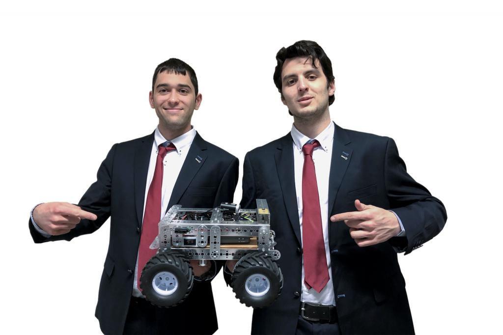 Thomas et Guillaume élèves ingénieurs en apprentissage à Polytech Montpellier concourent à Budapest dans la catégorie robotique mobile. //©Worldskills France