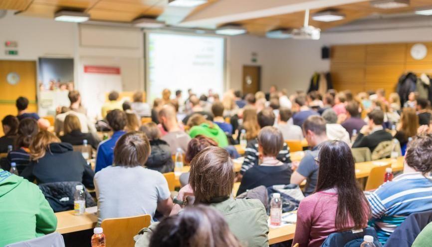 Les chiffres du numerus clausus sont toujours très attendus pour les étudiants en santé. //©Kasto / Adobe Stock