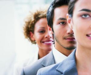L'enquête Viadeo montre notamment que les disparités salariales entre hommes et femmes existent toujours.