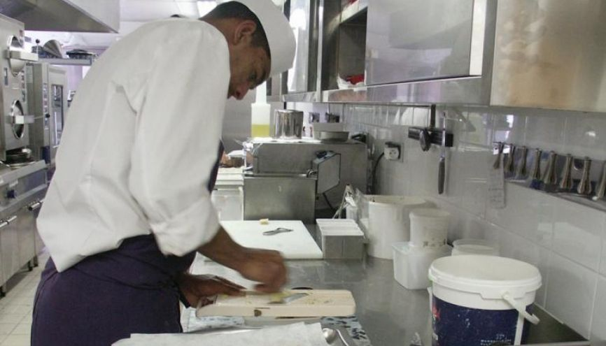 Personnel de cuisine, serveur... l'hôtellerie-restauration est un secteur qui recrute facilement des novices. // ©iStockphoto //©iStockphoto