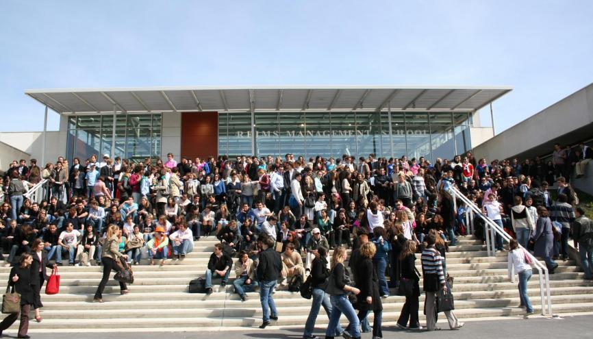Les étudiants du CESEM Reims partent obligatoirement 2 ans à l'étranger. //©CESEM