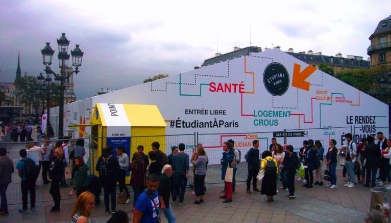 Le Forum étudiant à Paris 2016 : un dispositif qui attire beaucoup de jeunes en quête d'un logement.