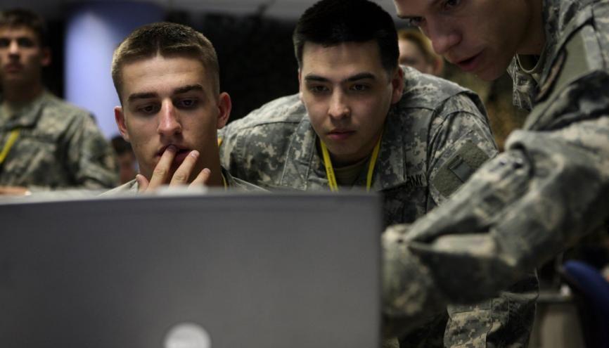 """Aux Etats-unis, les formations dans l'armée préparent depuis plusieurs années à la """"cyberguerre"""". //©Michael Falco/The New York Times-REDUX-REA"""