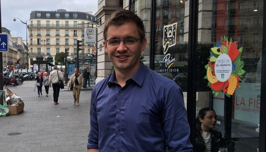 Yoann, 29 ans, fait partie de l'équipe projet smartgrids d'Enedis, filiale d'EDF. //©Catherine de Coppet