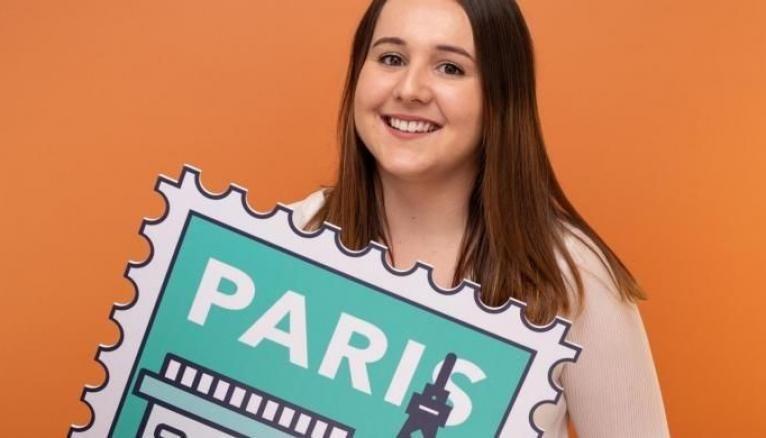 Clara, 24 ans, est comme dans un poisson dans l'eau dans son métier plein d'avenir.