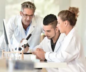 La filière BPCST accorde une place importante à la biologie.