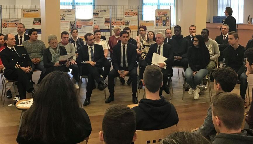 Gabriel Attal présente le SNU aux potentiels volontaires 2019. //©Pauline Bluteau