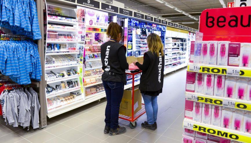 Dans les hyper et les supermarchés, plus de 20.000 contrats en alternance sont signés chaque année. //©Gilles Rolle /REA