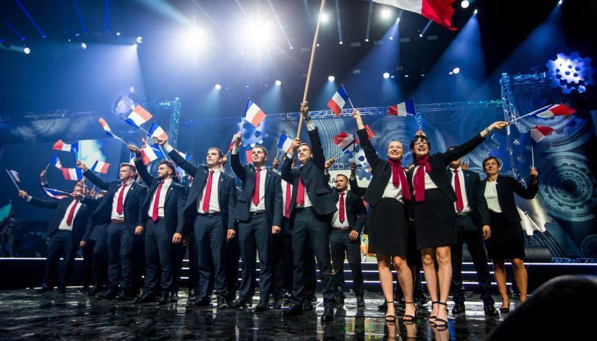 Euroskills 2018 de Budapest : les 27 membres de l'équipe de France des métiers possèdent des diplômes du CAP à bac+5. //©EuroSkills_Info