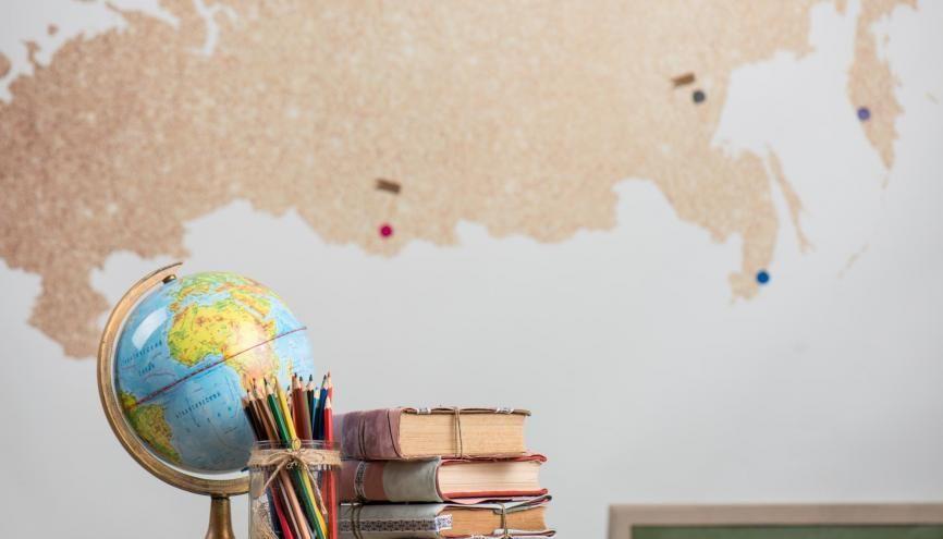 L'objectif de l'épreuve d'histoire-géographie sera de montrer que vous comprenez le monde et les relations internationales. //©Goncharenya Tanya