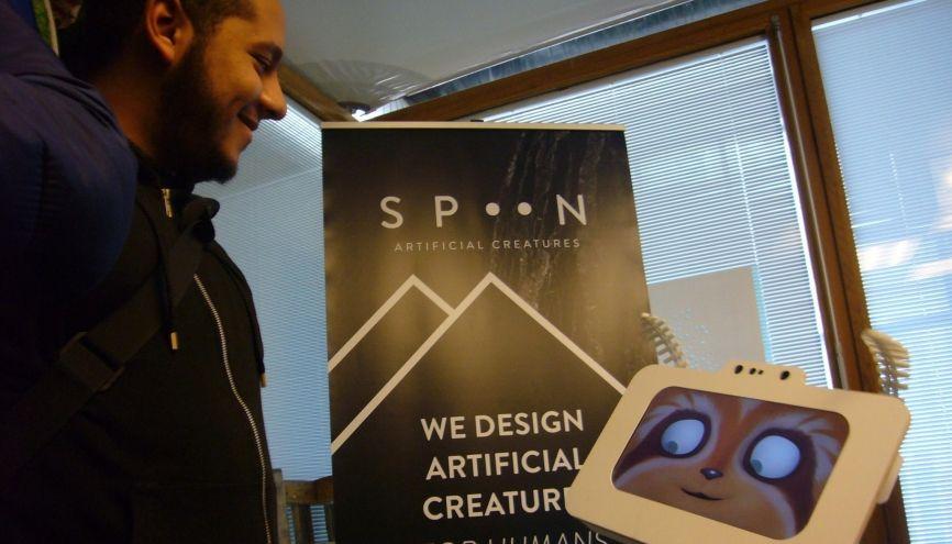 Spoony est un robot articulé fait pour interagir avec les êtres humains. //©Catherine de Coppet