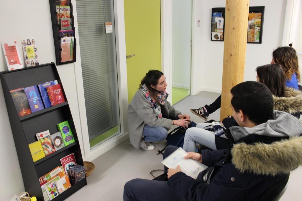 À l'université Versailles-Saint-Quentin-en-Yvelines, les étudiants en médecine viennent faire leur consultation annuelle au centre de santé. //©Delphine Dauvergne