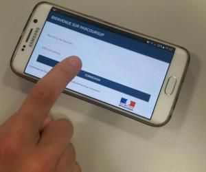 Le répondeur automatique de Parcoursup sera accessible plus tôt que prévu en 2020.
