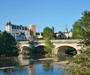 Depuis septembre 2017, il est possible de suivre sa PACES sur le campus de l'université de Pau, antenne délocalisée de l'université de Bordeaux.