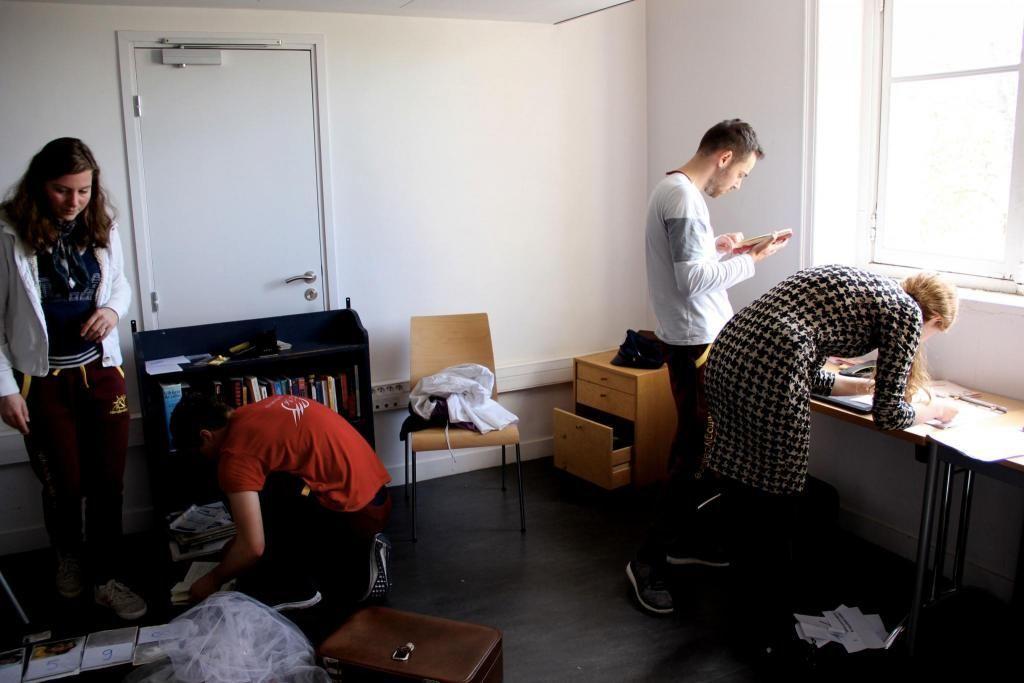 Adélaïde, Natacha, Antoine et Raphaël, quatre étudiants de Mines ParisTech qui participent à l'escape game de la liste Polaromine. //©Aude Lorriaux