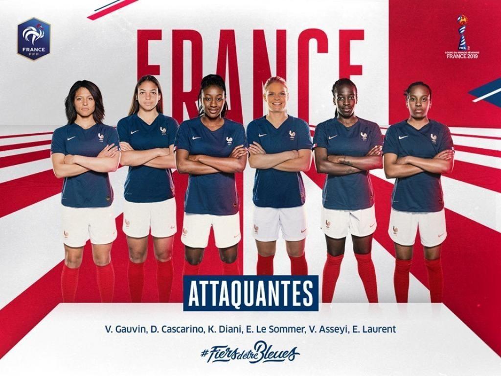 Les attaquantes de l'équipe de France féminine de foot ont toutes au moins le bac, voire entamé ou terminé des études supérieures. //©FFF