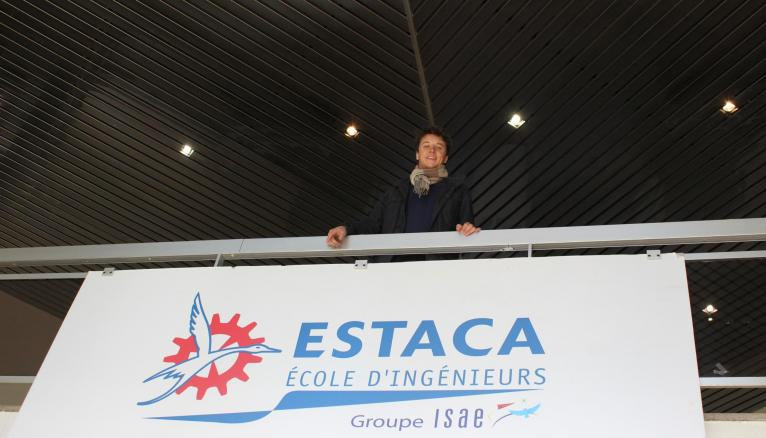 À l'ESTACA, Guillaume a choisi la spécialité espace.