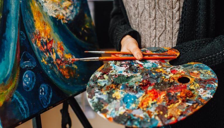 Skype, téléphone, tests écrits à distance... Face à la crise sanitaire, les écoles d'art ont également dû s'adapter pour recruter leurs étudiants.