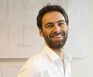 Sébastien, 31 ans, est ingénieur composite naval dans un bureau d'études.