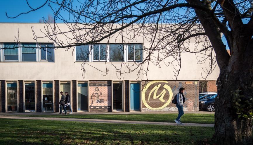 """L'École polytechnique grimpe de 21 places dans l'édition 2017 du classement """"employabilité"""" du Times Higher Education. //©Anne-Charlotte Compan/Hans Lucas"""