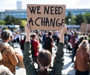 Les étudiants français sont inquiets de la faible importance des questions environnementales dans les enjeux politiques.