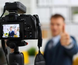 Pour attirer l'œil et retenir l'attention du recruteur, le CV créatif peut être la solution.