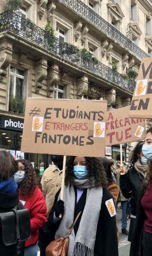 Mardi 26 janvier, des étudiants participent à une journée de mobilisation pour alerter sur leur précarité et demander un retour au présentiel.