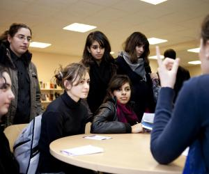 Interventions d'élèves de Centrale au forum des métiers d'ingénieures du lycée Louise-Michel, à Bobigny (93).