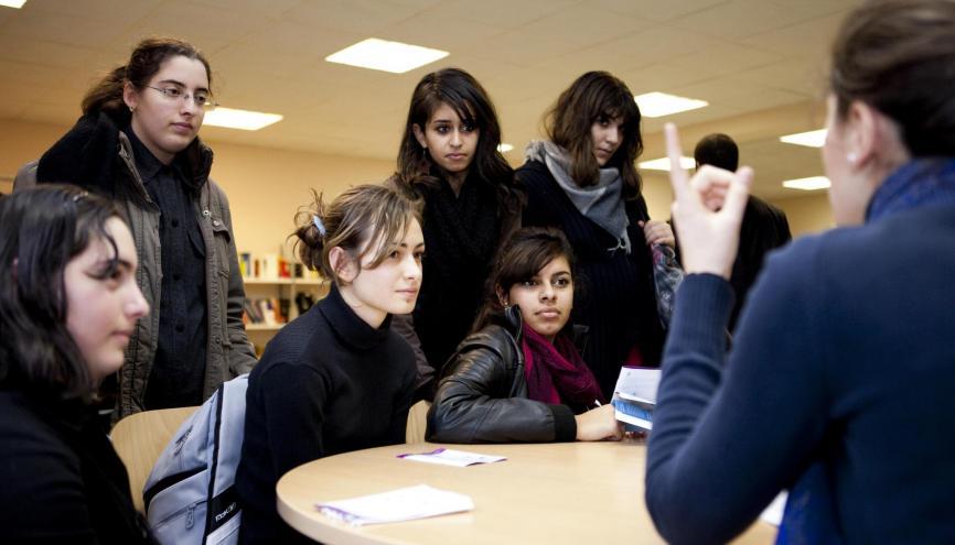 Interventions d'élèves de Centrale au forum des métiers d'ingénieures du lycée Louise-Michel, à Bobigny (93). //©Centrale Paris