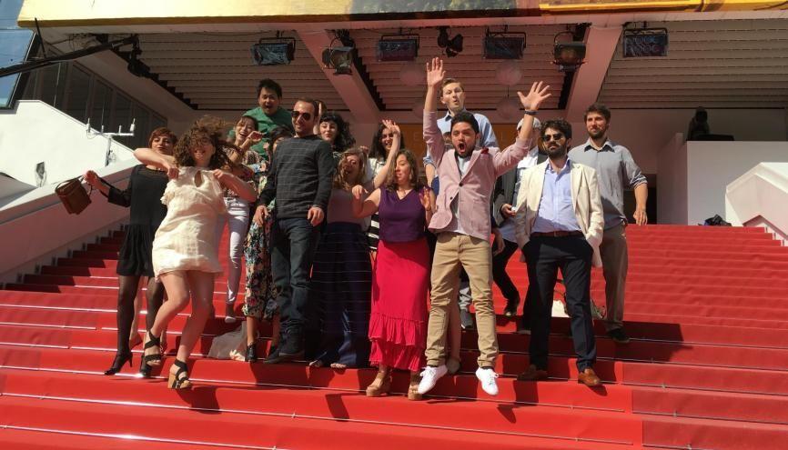 La montée des marches des étudiants-réalisateurs sélectionnés en 2016. //©Festival de Cannes