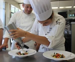 L'institut Paul-Bocuse propose 30 parcours de formations disponibles post-bac.