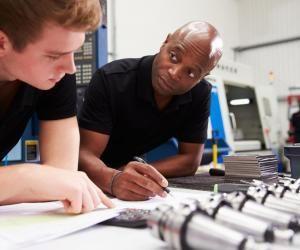 La formation d'ingénieurs en apprentissage est en pleine progression.