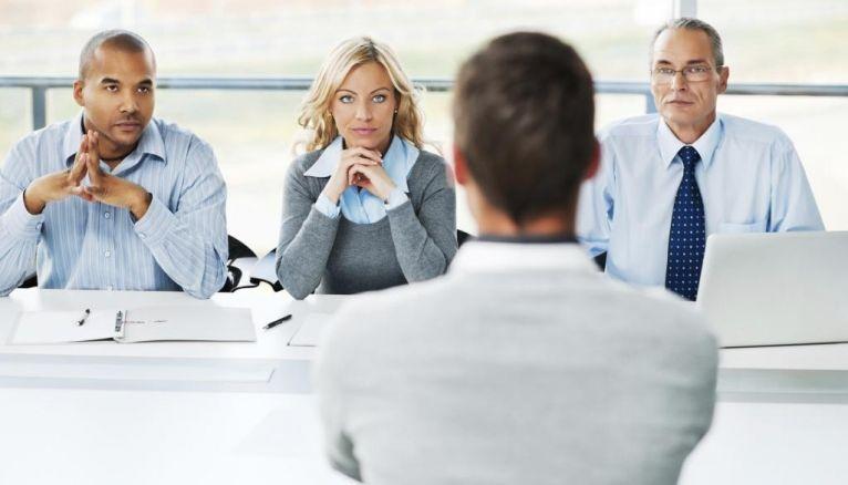 Préparez-vous à démontrer aux recruteurs que vous connaissez les valeurs de l'entreprise et que vous vous y adapterez, exemples à l'appui.