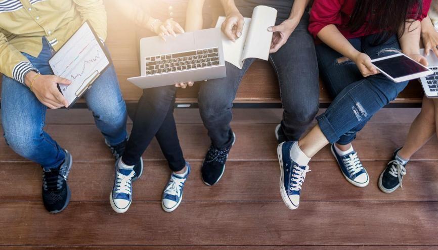 C'est désormais l'heure de choisir votre école d'ingénieurs sur Parcoursup, il est important de prendre en compte plusieurs éléments. //©peampath/AdobeStock