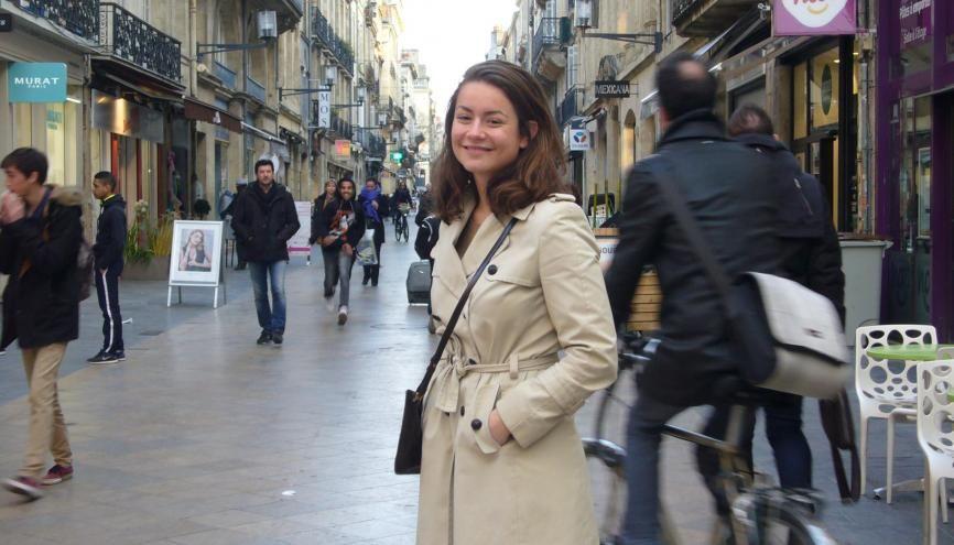 Valeska (ici rue Sainte-Catherine) adore Bordeaux centre où elle partage une colocation avec des amis dans le quartier du Musée d'Aquitaine. //©C. Peltier