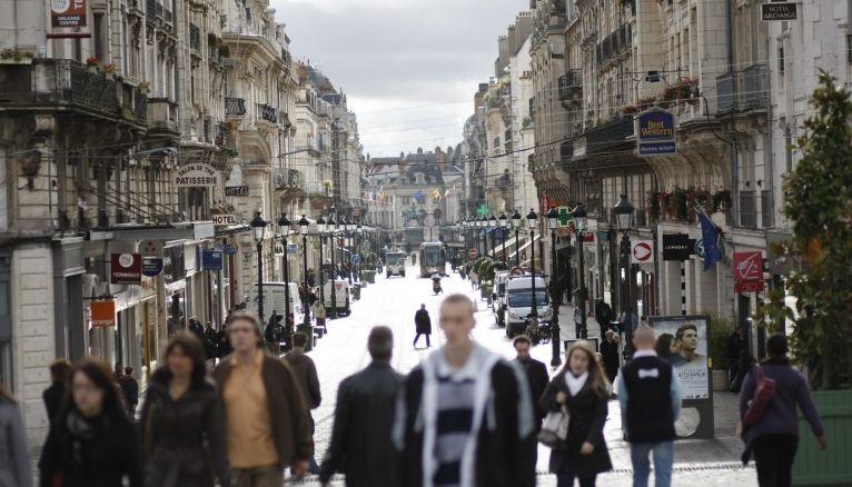 À environ une heure de Paris en train, Orléans propose de nombreuses formations en art, ingénierie, management…