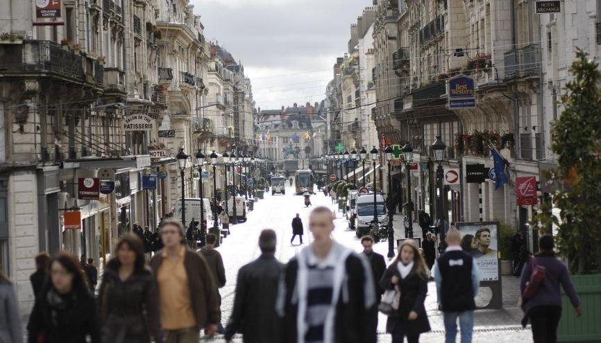 À environ une heure de Paris en train, Orléans propose de nombreuses formations en art, ingénierie, management… //©Denis Allard/REA