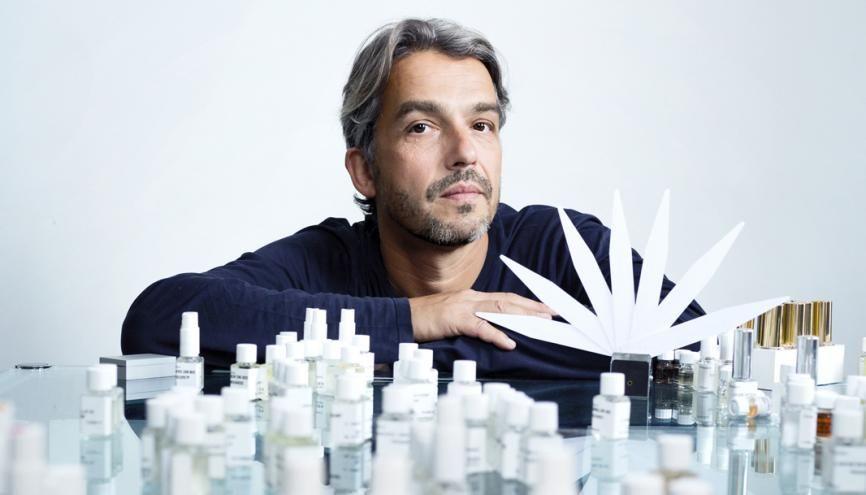Après des études de droit et d'histoire de l'art, Antoine intègre, à 26 ans, l'École supérieure de parfumerie Givaudan, à Paris. //©Audoin Desforges pour l'Etudiant