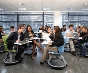 Skema Business School propose plusieurs MSc spécialisés en droit, économie-gestion.