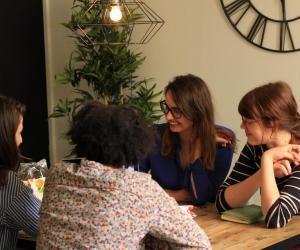 Atelier Cojob. Les groupes de recherche d'emploi renforcent la confiance en soi et permettent le partage d'expériences et de solutions pour trouver plus vite du travail.